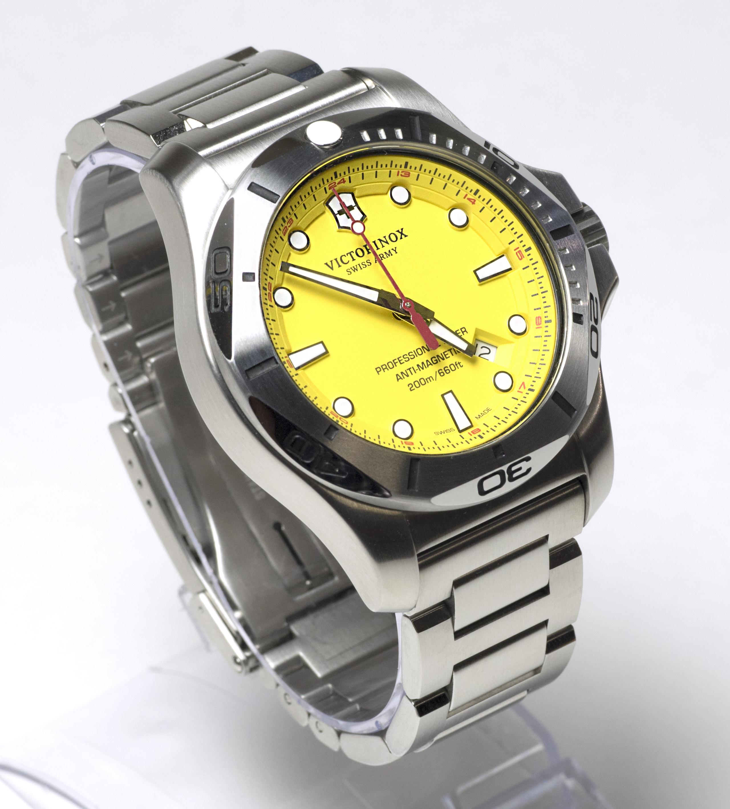 Victorinox Swiss Army I N O X Professional Dive Watch